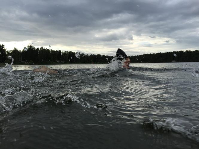 Simningen börjar bli mitt vapen i triathlon